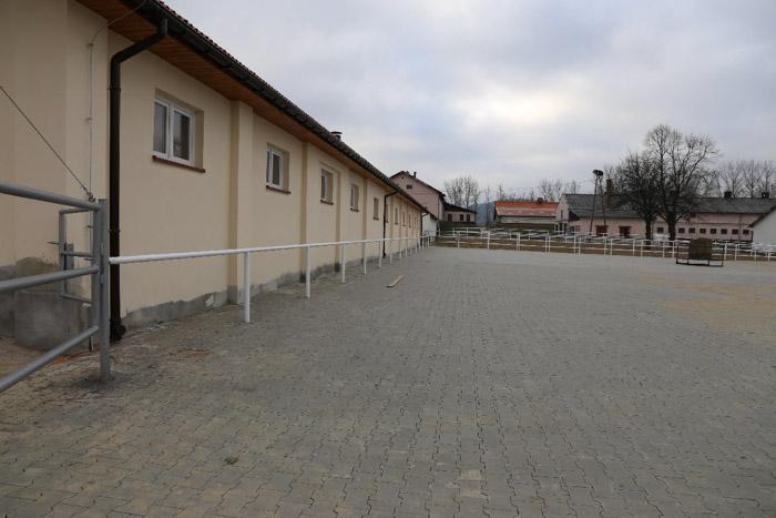Nowa stajnia w Odrzechowej w budowie